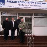 Od lewej : ks. Ryszard Kamiński, Prezes Beniamin Chochulski, Dyrektor Ryszard Wójcik i ks. Grzegorz Krząkała