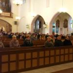 Uczestnicy eucharystii