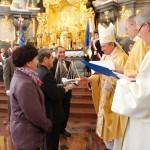 Przekazanie replik krzyża ze Świętej Wody