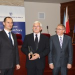 Statuetkę w imieniu spółki odebrał dyrektor ds. technicznych mgr inż. Jacek Rudnicki (w środku)