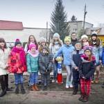 Wesołe hydranty stały się okazją do edukacji z zakresu bezpieczeństwa przeciwpożarowego dla uczniów w Szkole Podstawowej nr 5 w Dąbrowie Górniczej