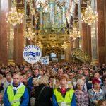 Pielgrzymi podczas Mszy św.